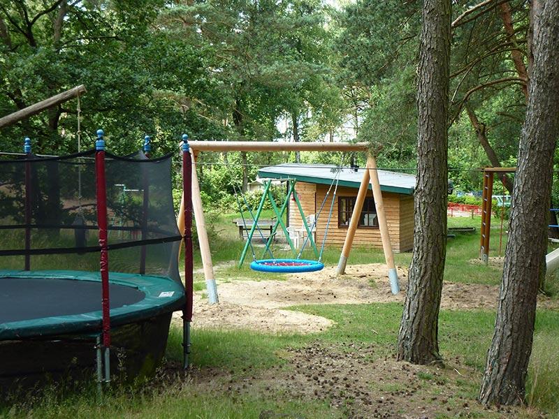 Nieuwe trampoline geplaatst